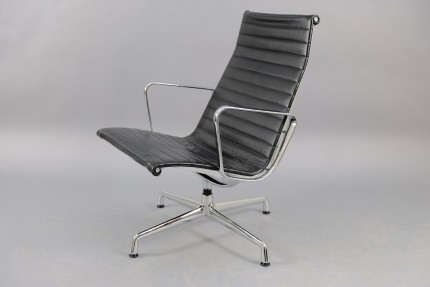 Mid-Century Model EA 116 Lounge Chair by Charles & Ray Eames for Vitra